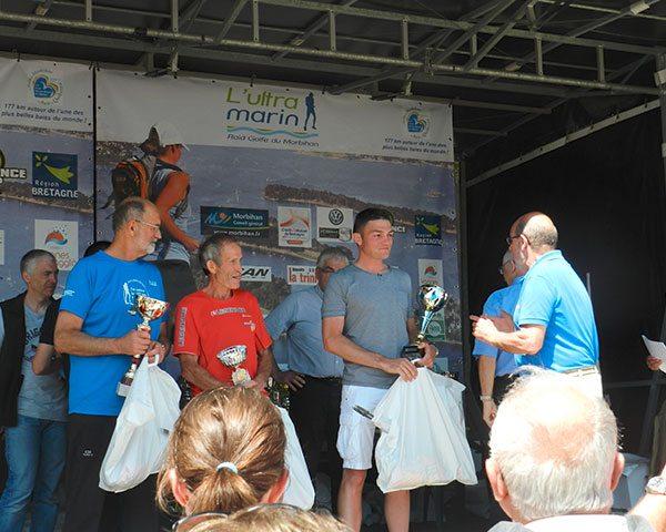 Vainqueur sur podium des 177 km Ultra Marin
